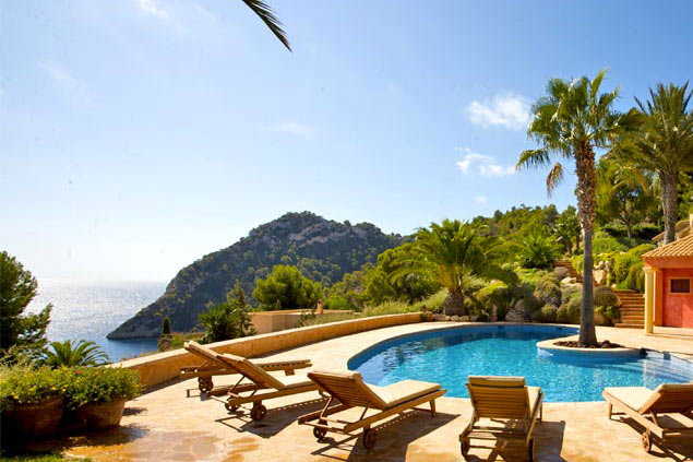 Villa rentals in Ibiza South