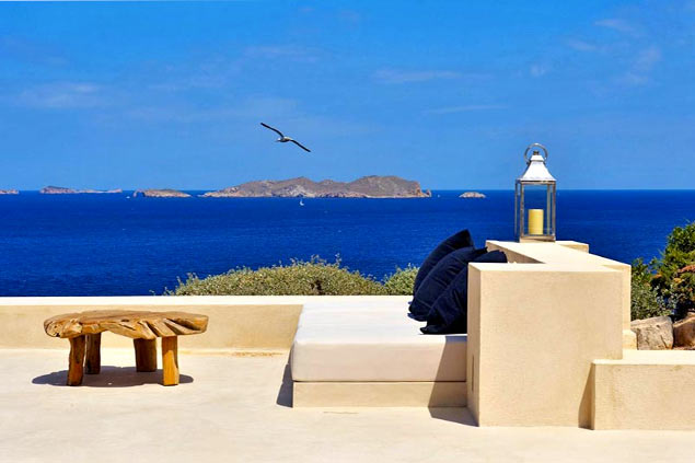 Villa rentals in Ibiza West